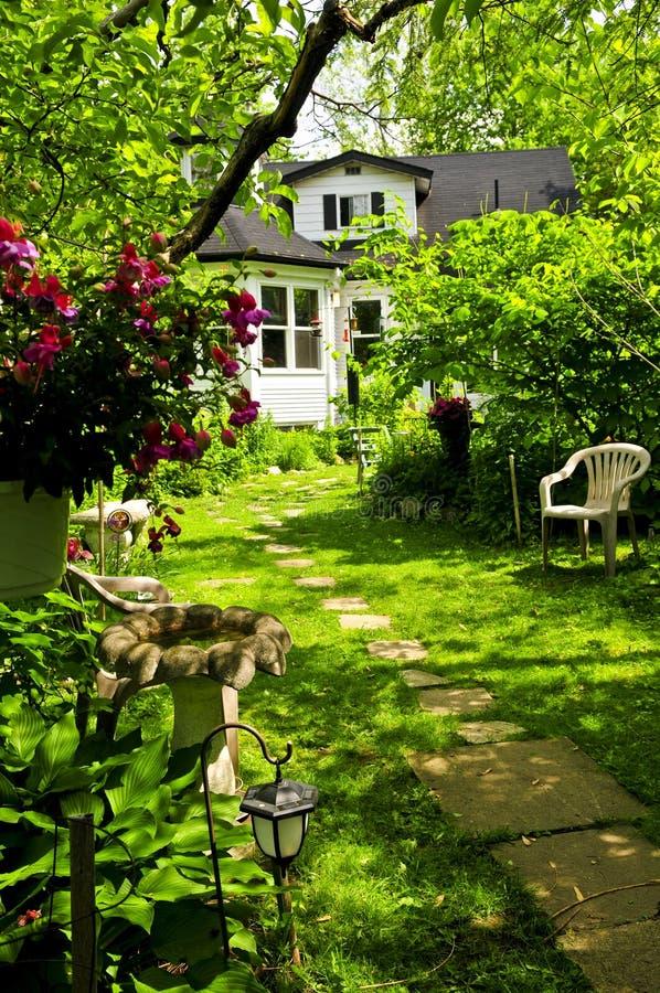 庭院家 库存照片