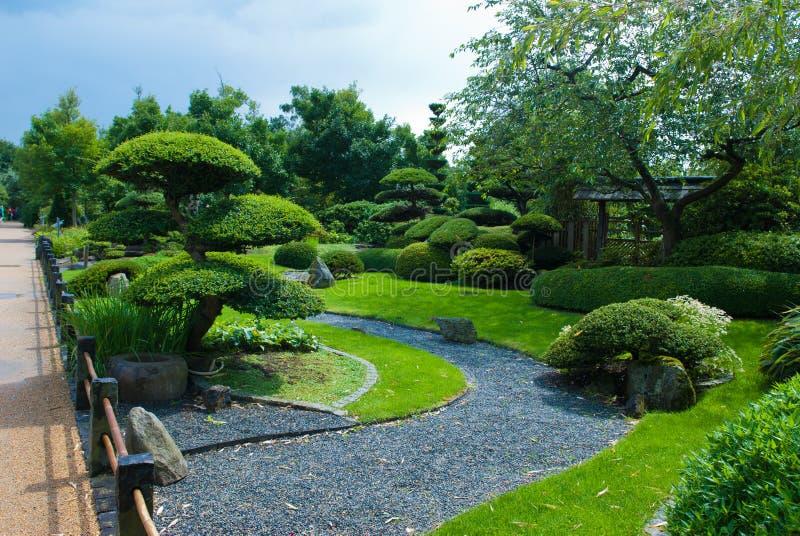 庭院日本人修剪的花园 免版税库存图片