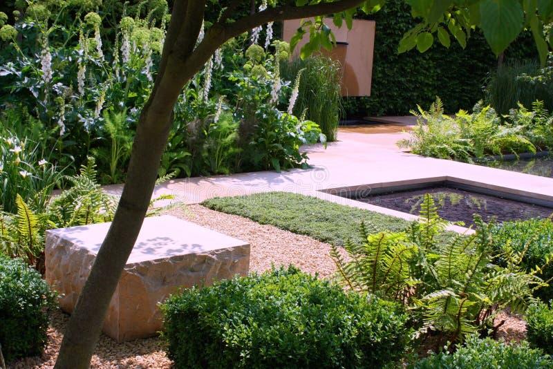 庭院池塘 库存图片