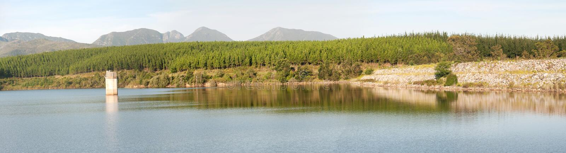 庭院路线水坝在乔治,南非 库存照片