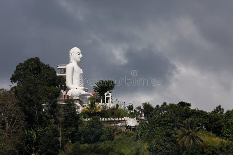 康提Bahirawakanda Vihara菩萨寺庙在斯里兰卡 免版税库存照片