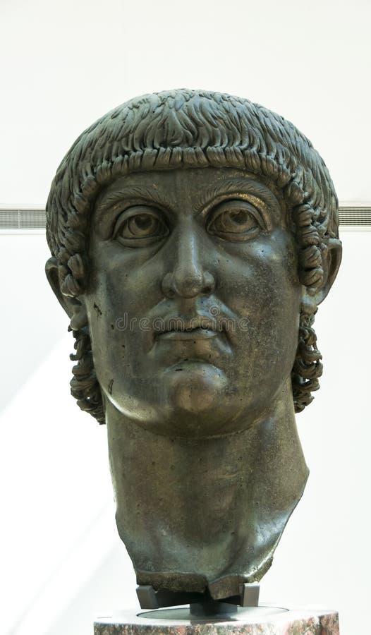 康斯坦丁巨大古铜色雕象:头 免版税库存图片