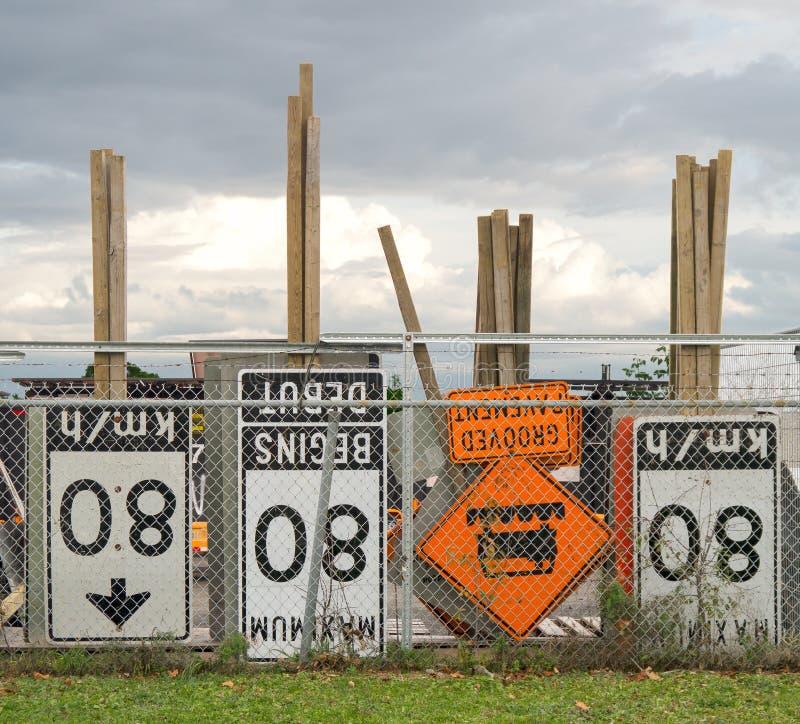 建筑交通标志 库存照片