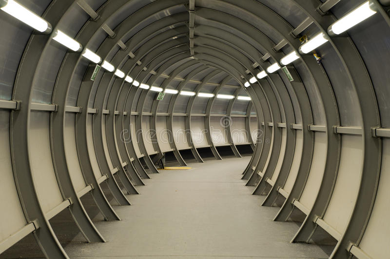 建筑做金属隧道 免版税库存照片