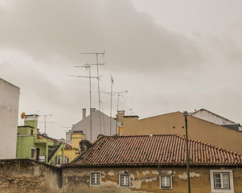 建筑学在里斯本,葡萄牙-屋顶 免版税库存图片