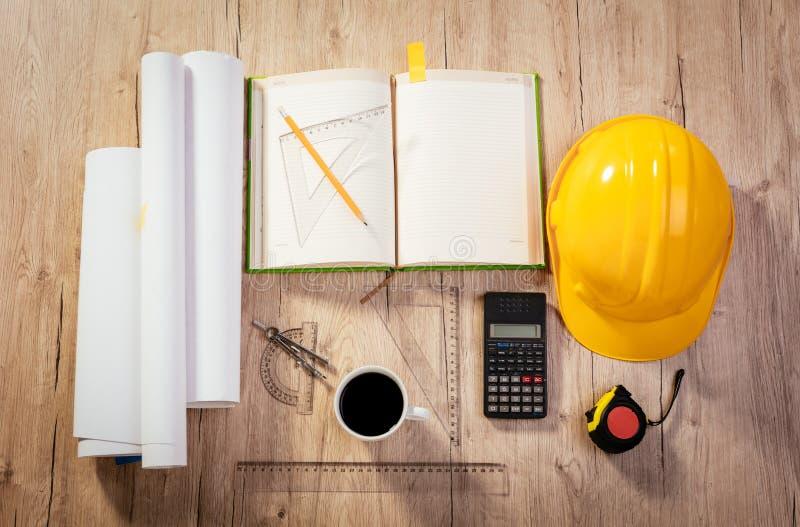 建筑学工程师的工作区 免版税图库摄影