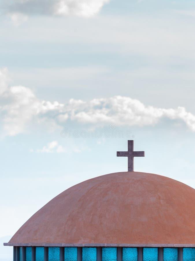 建筑学教堂圆顶,希腊细节  免版税库存图片