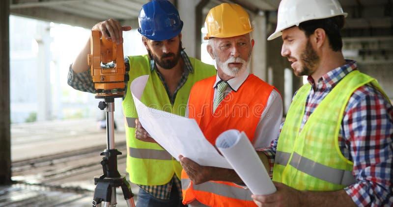 建筑工程师、建筑师团队 库存图片