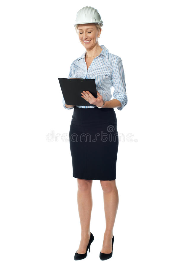 建筑师年长女性文件学习 库存图片