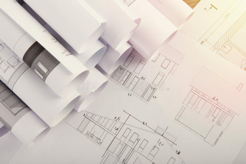 建筑师-结构图工作场所  库存照片