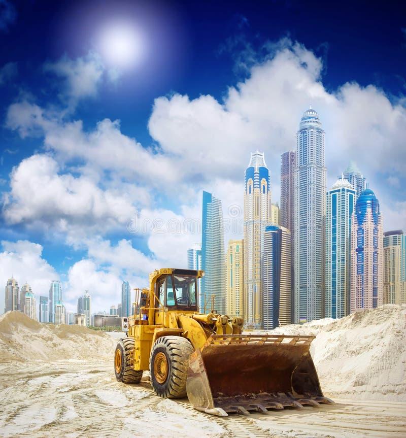 建筑拖拉机在迪拜 库存图片