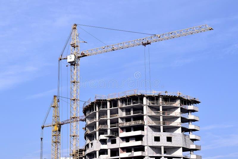 Download 建筑 库存图片. 图片 包括有 改善, 现代, 建筑, 租金, 行业, 工程, 背包, 任何地方, 金属 - 62529097