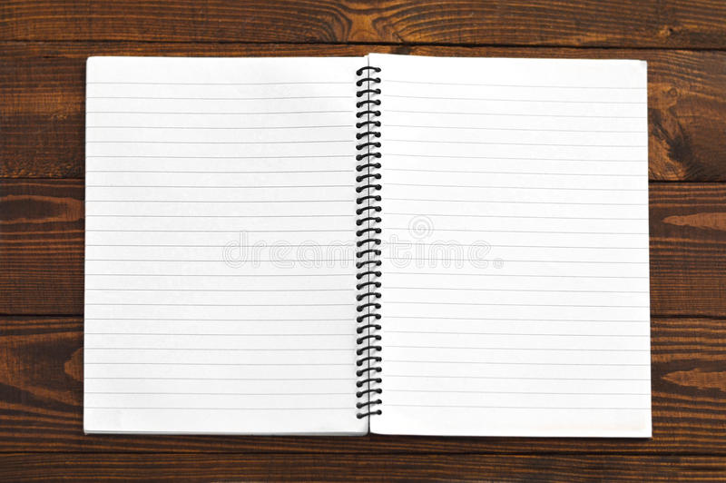 开张有空白页的笔记本 免版税库存图片