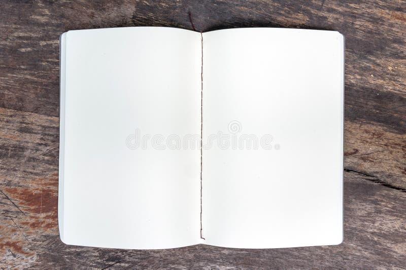 开张空白笔记本 图库摄影