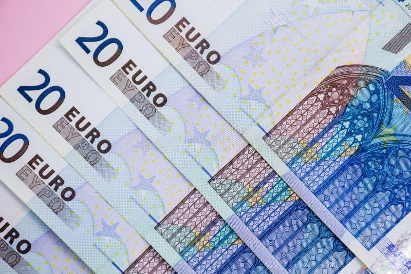 开户欧洲欧元五重点一百货币附注绳索 欧洲现金背景 欧洲金钱钞票 图库摄影