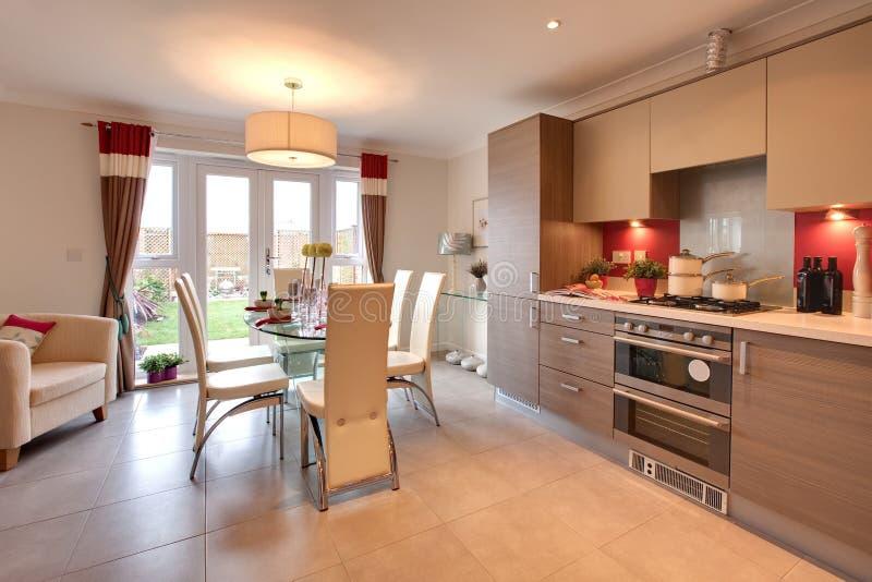 开放学制的厨房 免版税库存图片
