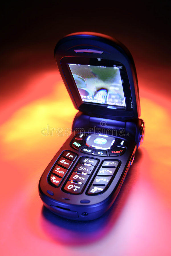 开放的移动电话 免版税库存图片