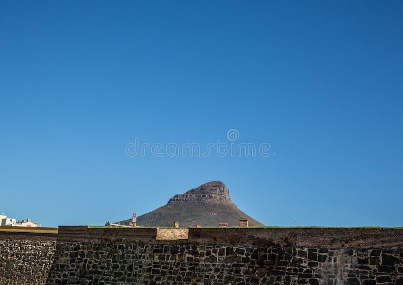 开普敦风景有很少桌山的看法没有云彩的在南非 免版税图库摄影