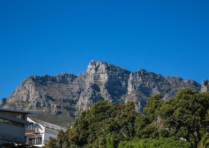 开普敦风景有很少桌山的看法没有云彩的在南非 免版税库存图片