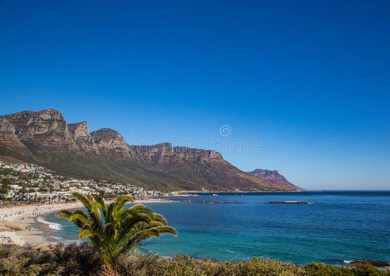 开普敦风景有很少桌山的看法没有云彩的在南非 免版税库存照片