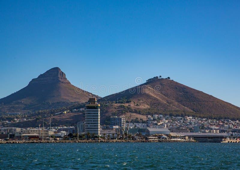 开普敦风景有很少桌山的看法没有云彩的在南非 库存照片