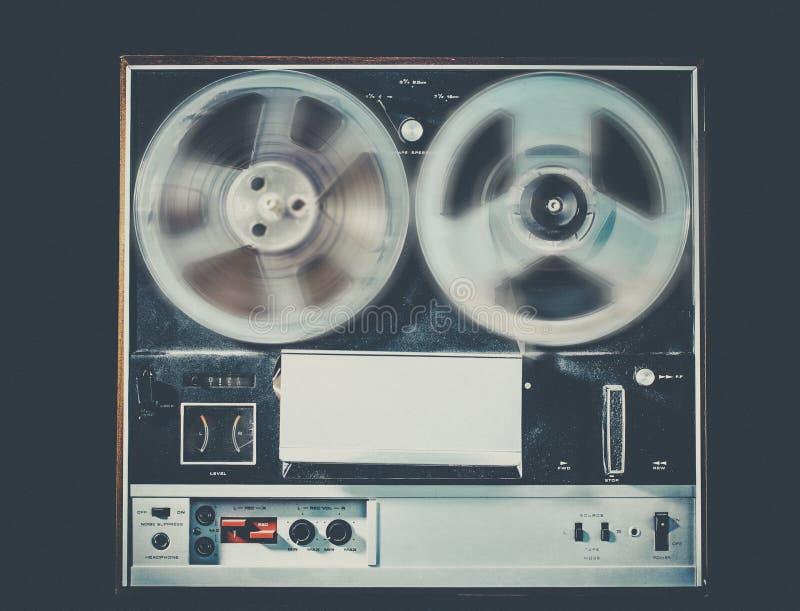 开盘式的磁带葡萄酒减速火箭的音频技术 库存照片