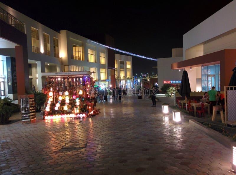 开罗市节日点燃在夜tagamou北部开罗 免版税库存照片