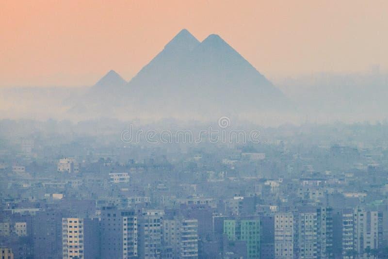 18/11/2018开罗,埃及,城市的全景从非洲首都的观察台的和有一大concentratio的 库存照片