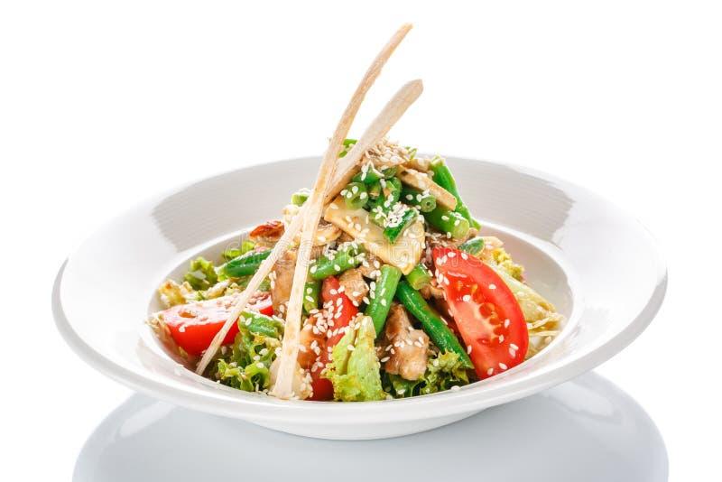 开胃餐馆光沙拉用在白色背景的蘑菇食物 库存图片