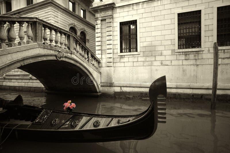 开花长平底船粉红色 库存照片