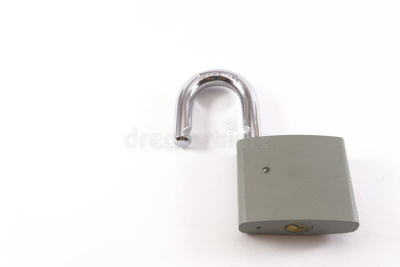 开锁的灰色金属挂锁 免版税图库摄影