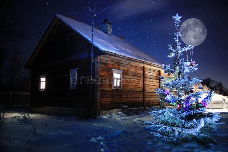 异常的冬天村庄风景 库存图片