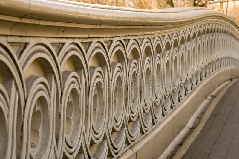 弓桥梁中央公园 免版税图库摄影