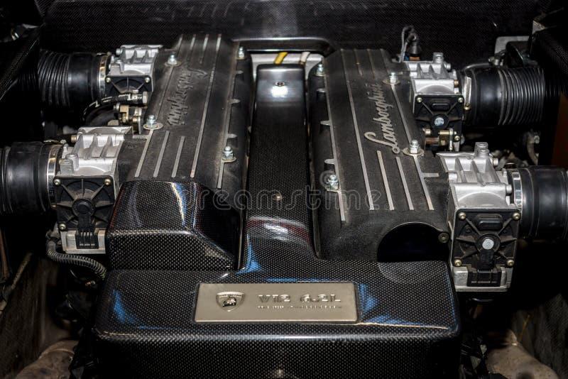 引擎supercar Lamborghini Murcielago V12, 2004年 免版税库存图片