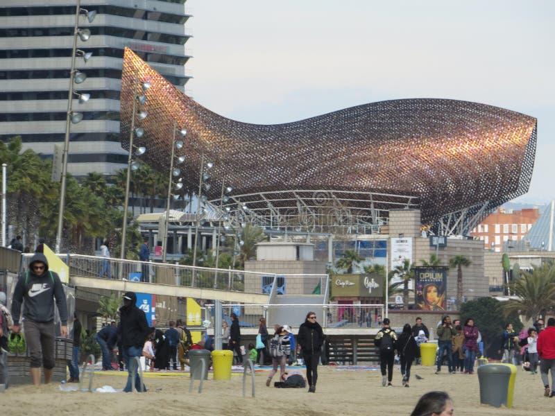 弗兰克Gehry's金黄鱼雕塑 巴塞罗那 库存图片