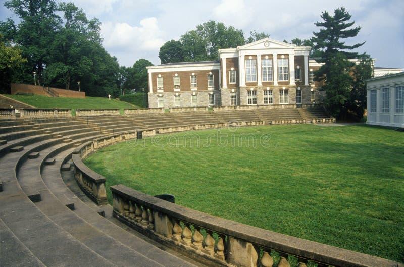 弗吉尼亚大学的圆形露天剧场,夏洛特维尔, VA 库存图片