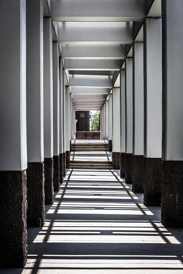 弗吉尼亚战争纪念建筑的走廊在里士满,弗吉尼亚 免版税库存图片