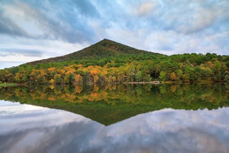 弗吉尼亚锋利的顶面山 免版税图库摄影