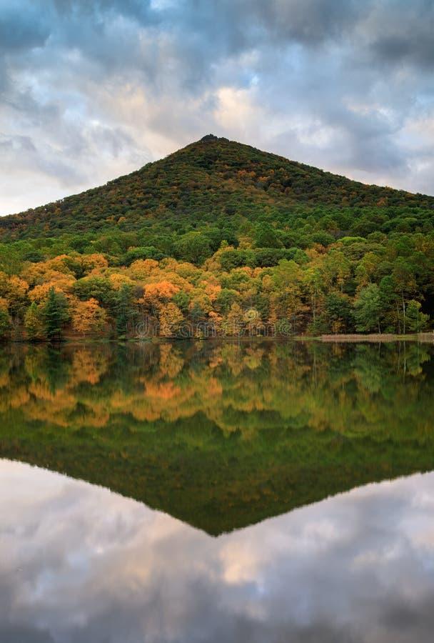 弗吉尼亚锋利的顶面山 库存照片