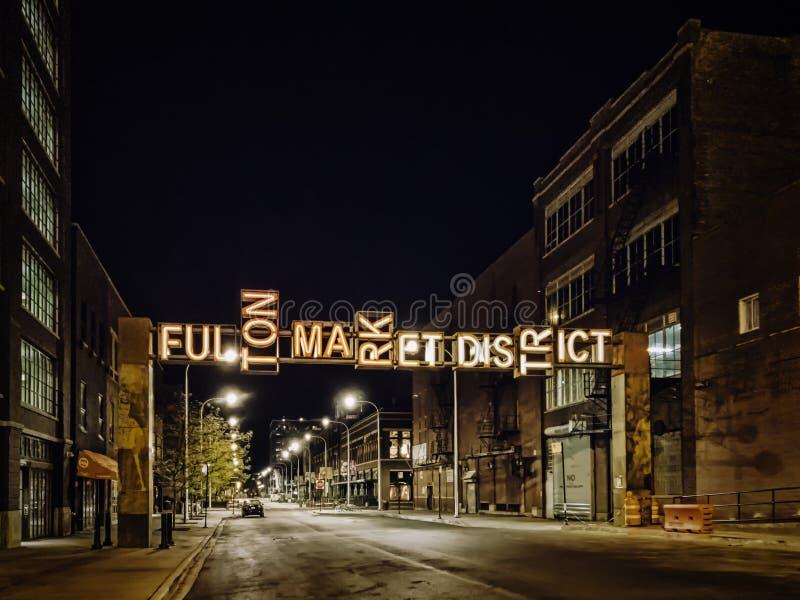 弗尔顿市场区门户,芝加哥,美国 城市点燃晚上场面 库存图片