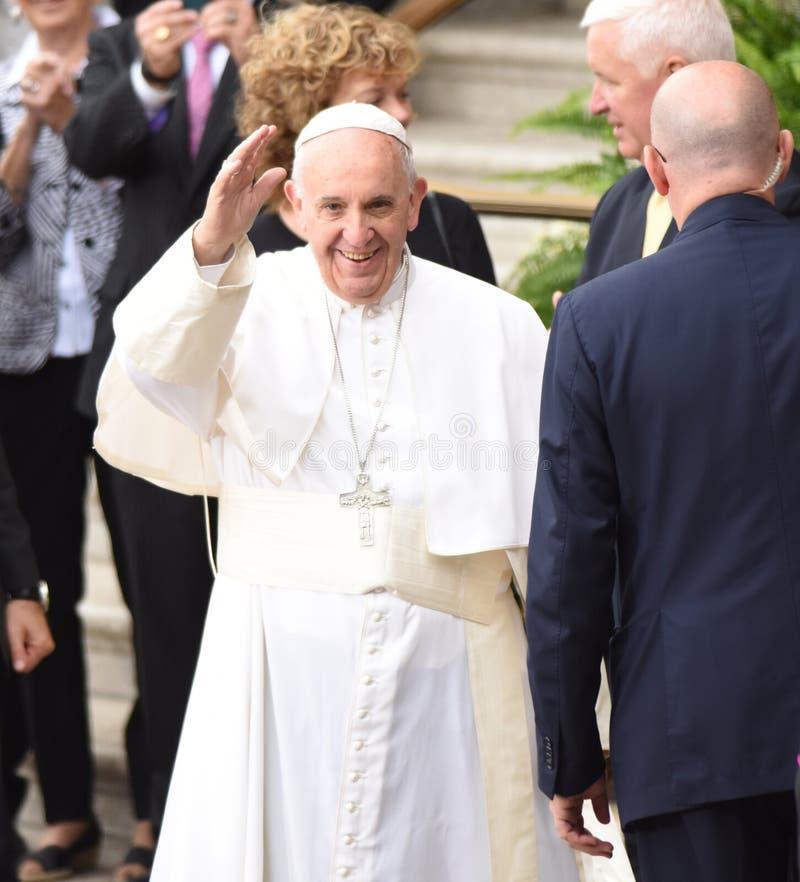 弗朗西斯教皇波浪 免版税库存照片