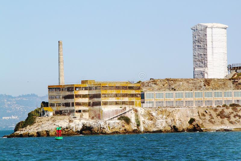 弗朗西斯科・圣 在监狱Alcatraz的看法 恶魔岛背景 免版税图库摄影