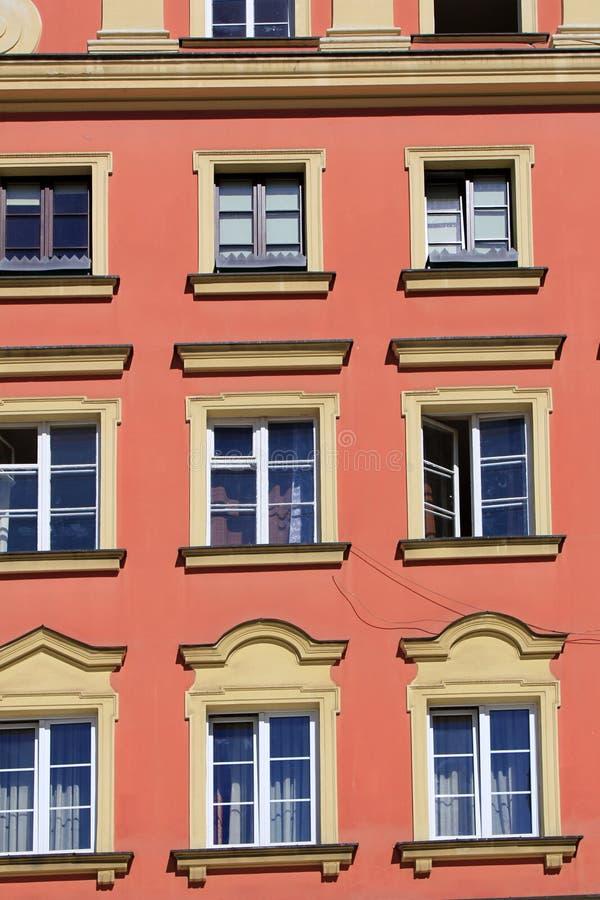 弗罗茨瓦夫,波兰,欧洲建筑学  市中心,五颜六色,历史集市广场廉价公寓 降低西里西亚,欧洲 免版税库存图片