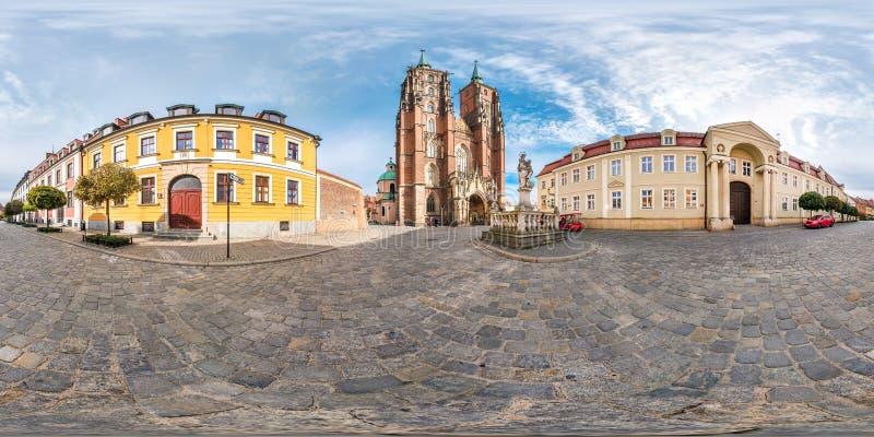 弗罗茨瓦夫,波兰- 2018年9月:充分的无缝的球状全景360度区与尖顶的Ostrow Tumski哥特式 免版税图库摄影