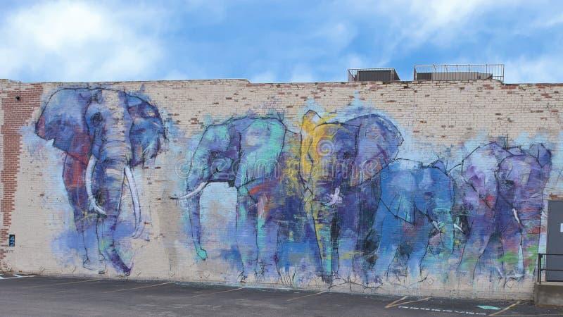42张壁画项目, ` Deepellumphants `艾德里安托里斯,深Ellum,得克萨斯 库存图片