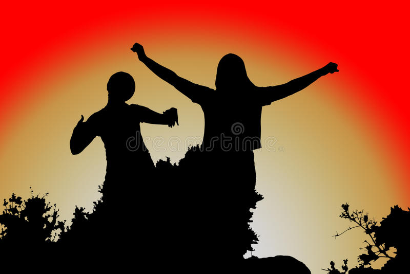 张开他的胳膊,在日落的妇女剪影 图库摄影