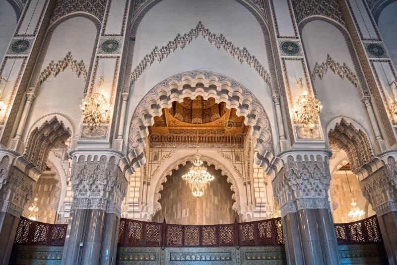 弧卡萨布兰卡哈桑ii内部摩洛哥清真寺 免版税库存照片