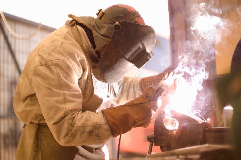 弧焊工 免版税图库摄影