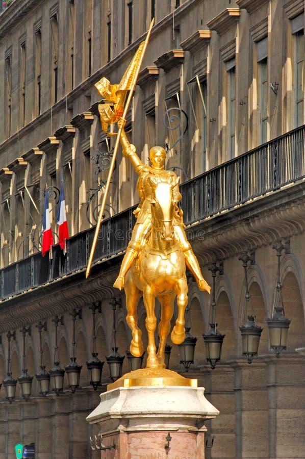 弧d法国jeanne巴黎雕象 免版税库存照片
