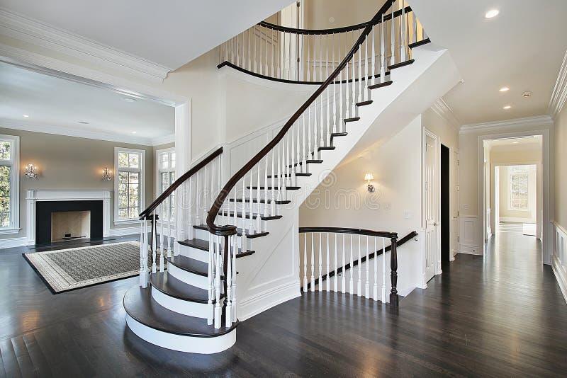 弯曲的休息室楼梯 库存照片